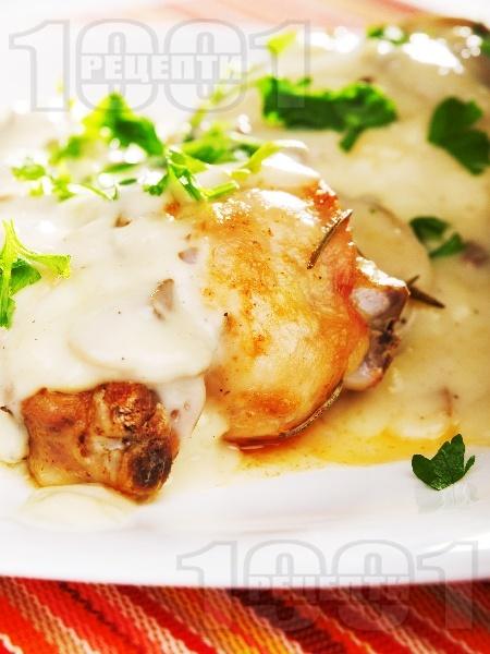 Пилешки бутчета с гъбен сос - снимка на рецептата
